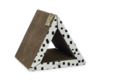Beeztees-kartonnen-krabspeelgoed-Triangle