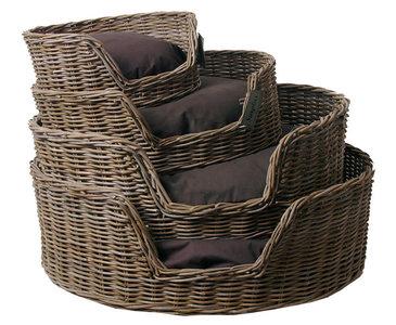 Surplus Rotan Basket met kussen